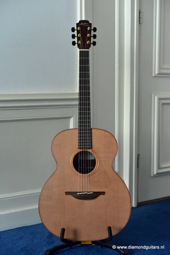 Lowden O25 East Indian Rosewood - Red Cedar (new)