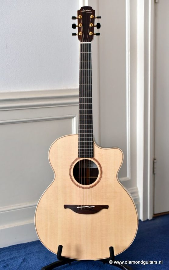 Lowden O32c East Indian Rosewood - Sitka Spruce (SOLD)