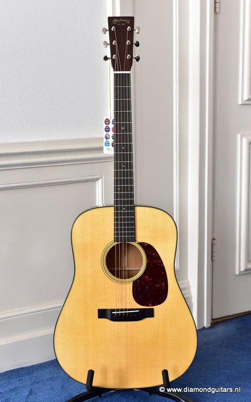 Martin D-18 Re-Imagined Sitka Spruce - Mahogany (new)