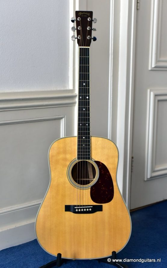 image of Martin D-35 (2018)
