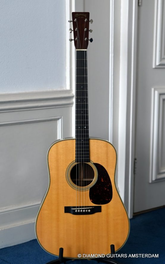 image of martin hd-28v