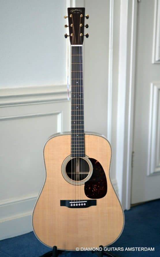 image of Martin D-28 MD